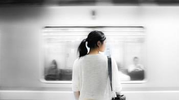 妙齡女地鐵遇癡漢「被強推硬上」 警逮捕驚呆:已犯案11次