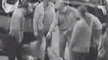男報廢場領嘸車爆氣拍門窗 遭6員工圍毆