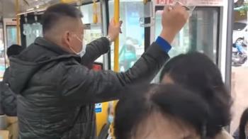 上班時段公車擠!遭控逼學生下車 里長駁:用拜託的