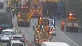 國道三車追撞! 1大貨車墜橋、1車卡邊坡 兩人受傷