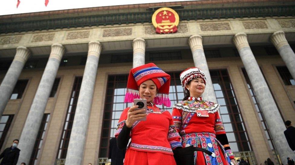 2021中國兩會:代表和委員們的「抓眼球」提案