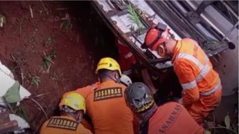 印尼重大車禍!巴士墜深谷27死39傷 罹難者最小是國中生