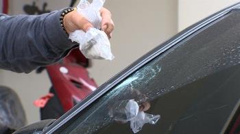獨/高樓有怪客丟石砸車 花瓶砸破遮雨棚「4人受害」