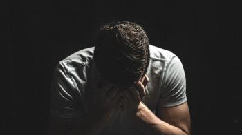 60K男標凶宅「多填1000萬」 出庭痛哭:有人拉我手