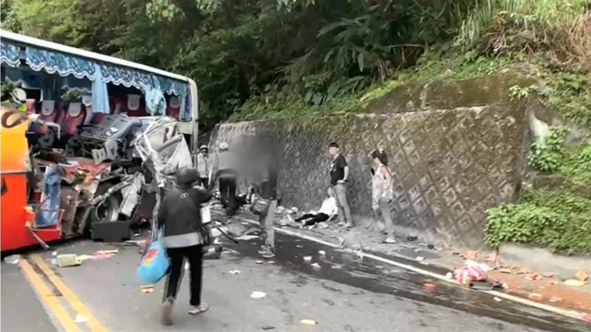 蘇花遊覽車撞山壁6死 專家揭關鍵原因:人為因素大