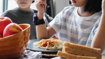 5歲妹突大吃大喝!暴喘又嘔吐腹痛 醫檢查竟是「糖尿病」
