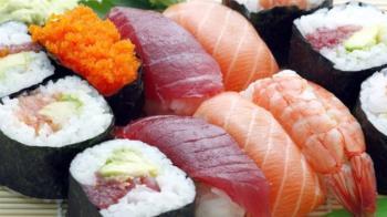 劉鮭魚崩潰!改名狂吃壽司 結帳發現店名差一個字