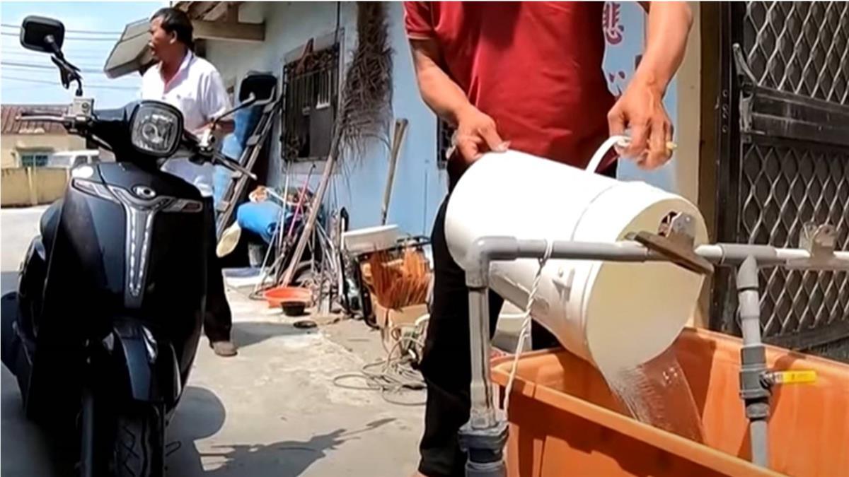高雄這裡沒有水 香蕉園泉水洗澡日載40桶家用