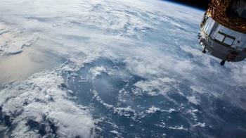 美國退役氣象衛星發生爆炸 變成16塊碎片飄在太空