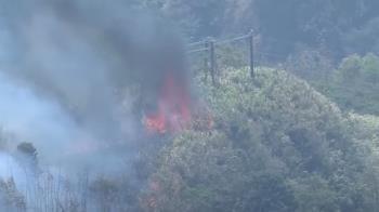 阿里山森林大火逾44小時 陸空兩路分進救火