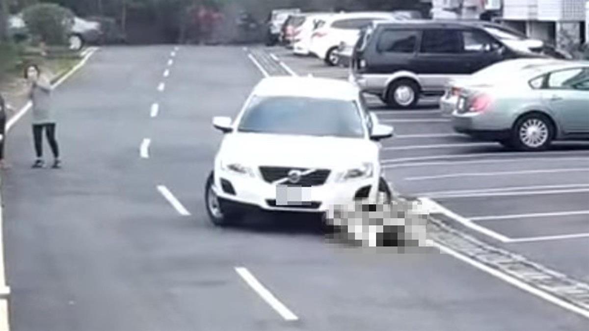 惡劣男社區逆向轉彎 撞倒女童淡定坐車上:怎麼當媽的