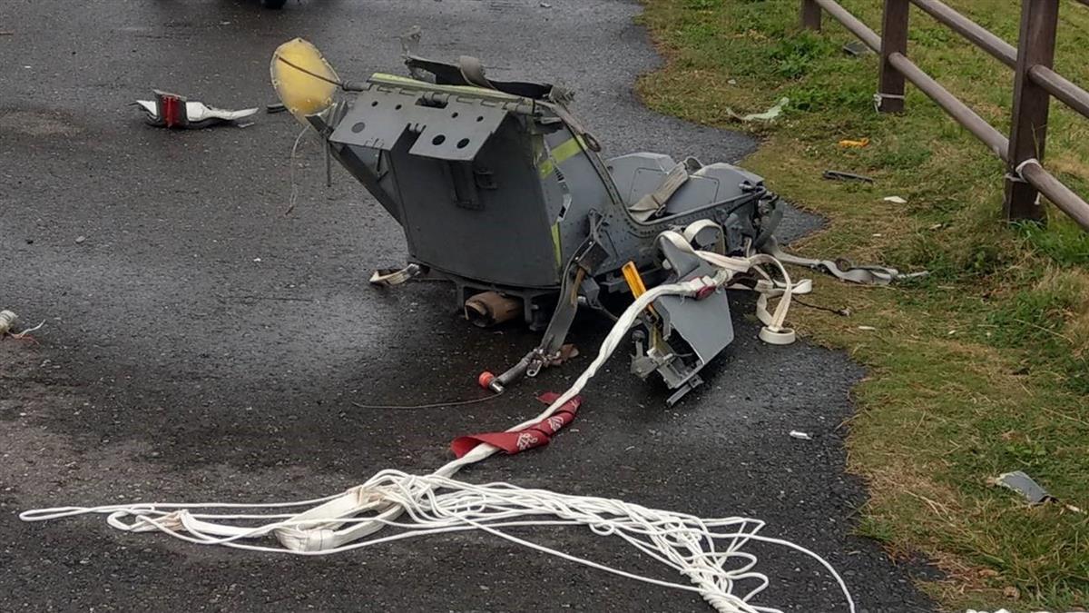 快訊/傘具連座椅找到了 F-5E上尉潘穎諄仍失聯