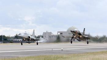 F-5E墜海!長機下令成關鍵 2機擦撞爆「飛行違紀」