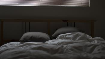 男友當面性侵2閨密 她制止無用「翻身繼續睡」