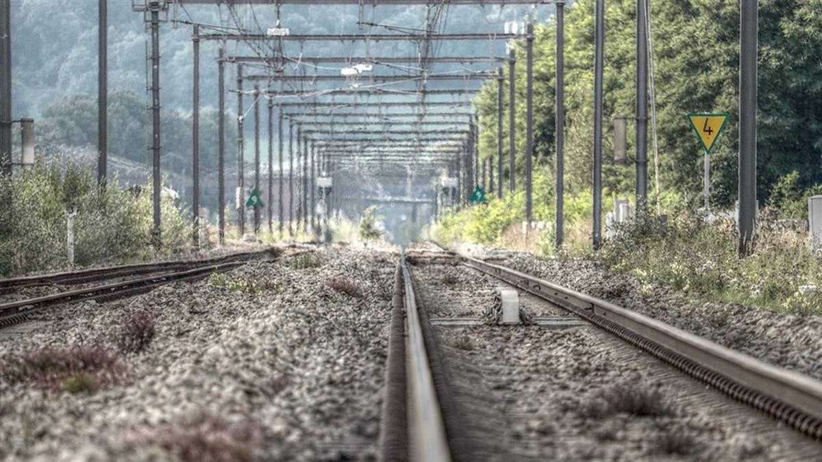 叔公聽一周鐵鍊聲 7天後被火車撞「無頭慘死鐵軌」