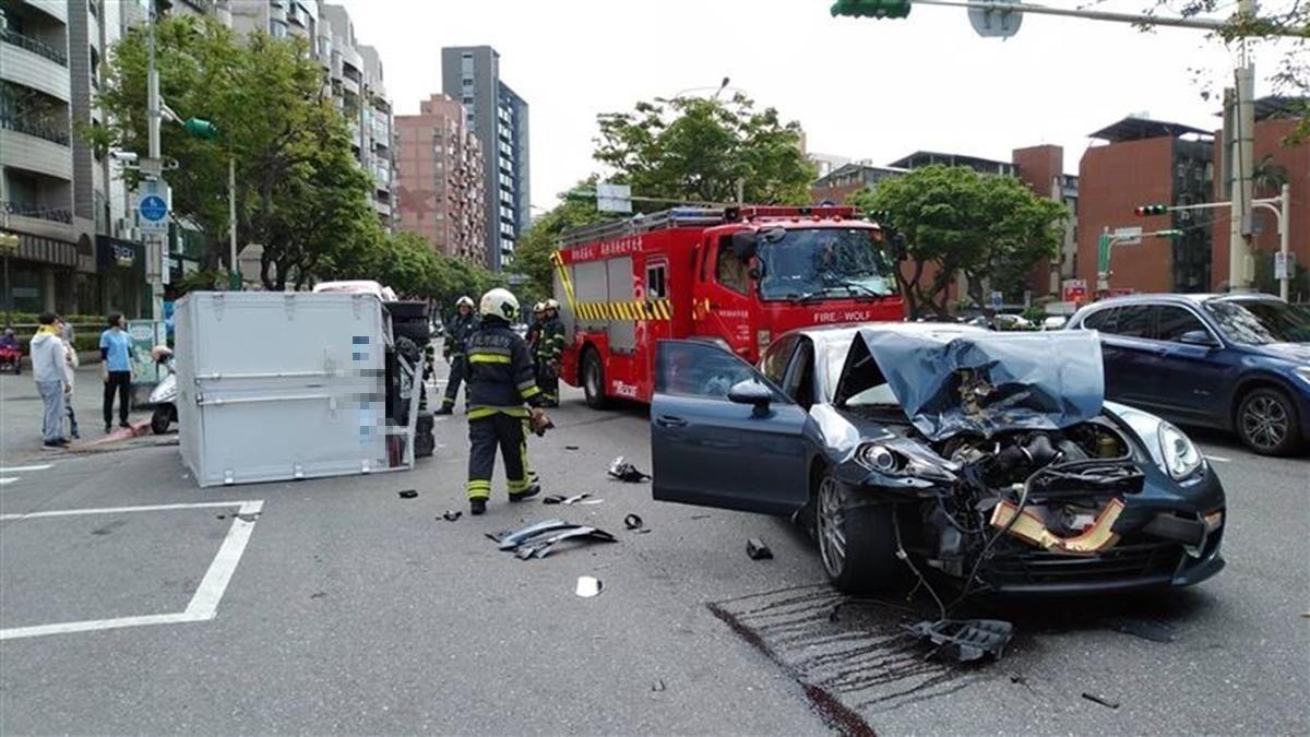 19歲兒撞爛500萬保時捷 老爸錯愕:車壞了…哈哈