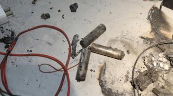 獨/行充摔到、撞到別再用 充電過頭恐釀爆炸