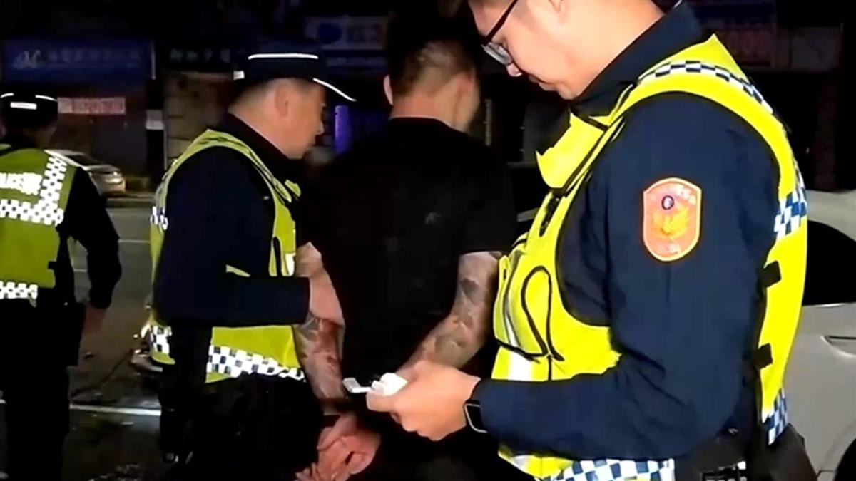 藥頭遇埋伏開車落跑 警匪追逐狂飆撞車被逮