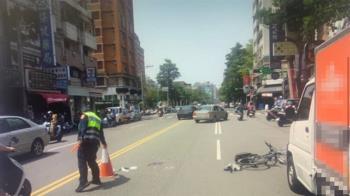 違停貨車突開門 單車少年被擊落「遭後車輾頭慘死」