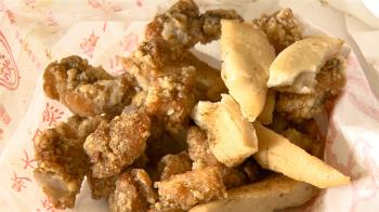 新北妹上網點「純素食」鹹酥雞 一口咬到肉絲崩潰喊:破戒了