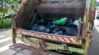 高雄妹廁所產子裝塑膠袋 媽當垃圾丟焚化廠燒了