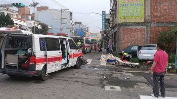 救護車擦撞轎車!命危老婦不治 8歲童右腳變形骨折