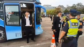 快訊/台南角頭陳建文今公祭 警現場逮4通緝犯