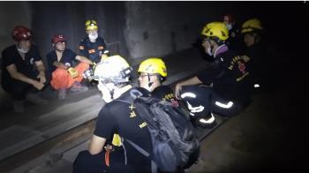 太魯閣號「父緊抱愛女慘死」 救難員目睹淚崩:我送你們出隧道了