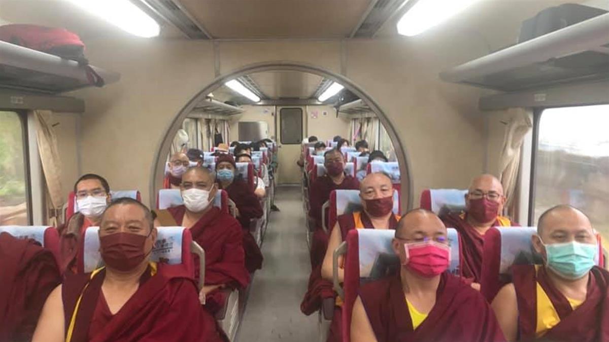 喇嘛奔花蓮幫「太魯閣51死者超渡」 印度僧侶跨海念經6天送暖