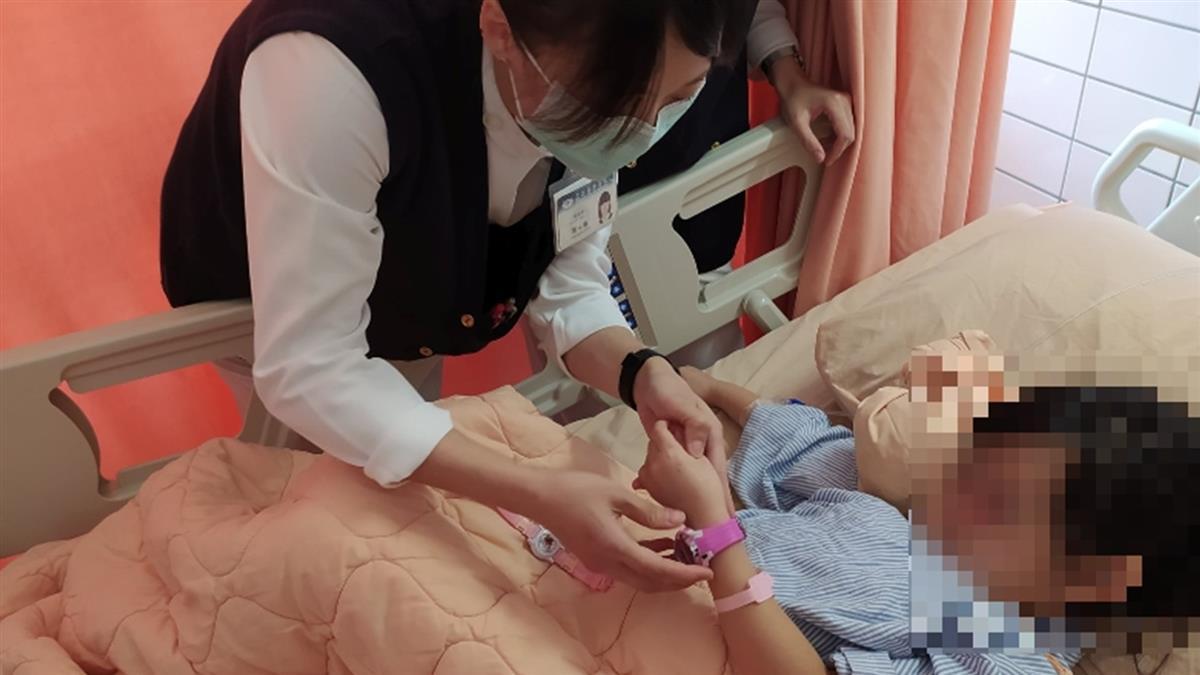 太魯閣號出軌女童骨折「我的粉紅手錶呢?」 醫護這樣做上千人哭了