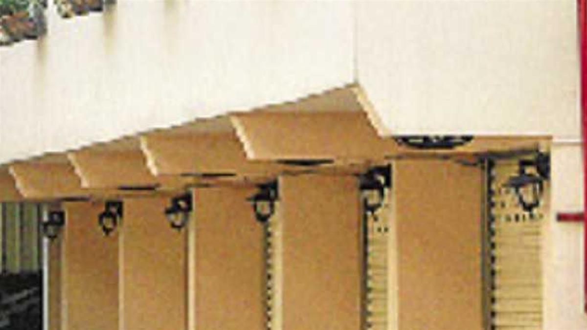 高雄摩鐵床下藏女屍 26男女「隔一床板激戰」...警上門嚇傻