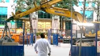 獨/捷運施工機具橫跨斑馬線 捷運局:已開罰要求改善