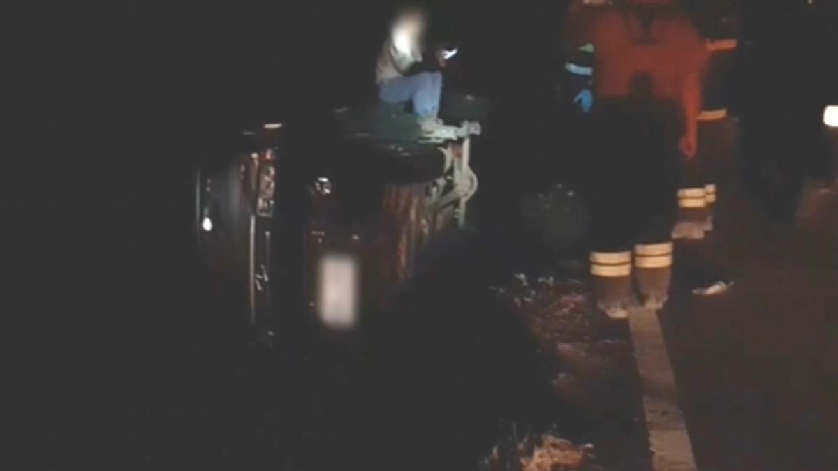 疑天色暗且沒減速!貨車對撞機車 騎士摔飛田
