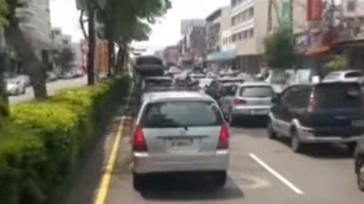 大甲媽遶境!民眾見4車符咒遮車牌 車主慘遭警開罰