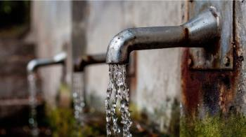 屋主拔水龍頭仍被偷水 一查驚見鄰居自備「萬用鑰匙」