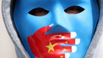 新疆爭議、北京冬奧、港府擬禁選舉「投白票」與更多BBC故事