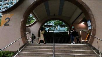 捷運站遭軍人噴嘉明!二審全無罪「有用包包擋」 她心寒不告了