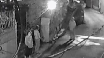 鄰居持鐮刀攻擊徘徊 被害人:「葉問」也不敢返家
