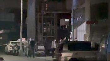 高雄深夜驚傳3車衝鐵皮屋掃射 4男慘中彈卻未叫119