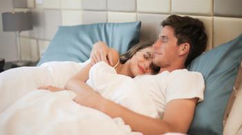人妻半夜突微笑「我不是你老婆」 尪親眼看第2人格出現嚇尿