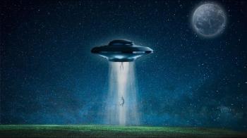 再掀外星人疑雲!夜空驚見鑽石形UFO 2牛離奇暴斃