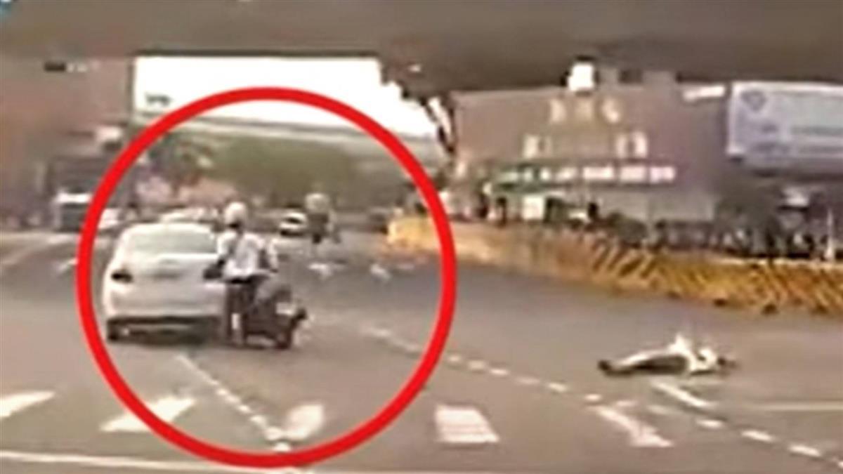 獨/女推行李闖燈遭撞噴飛 警察、救護車到...人竟落跑