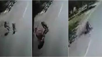 4歲兒暴衝馬路追媽媽 她回頭一抱被飛車撞死