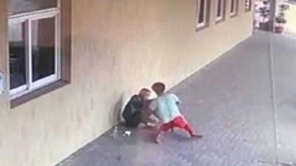 台南街友騎樓乞討500元 鮮肉偷2張遭毆下場慘了