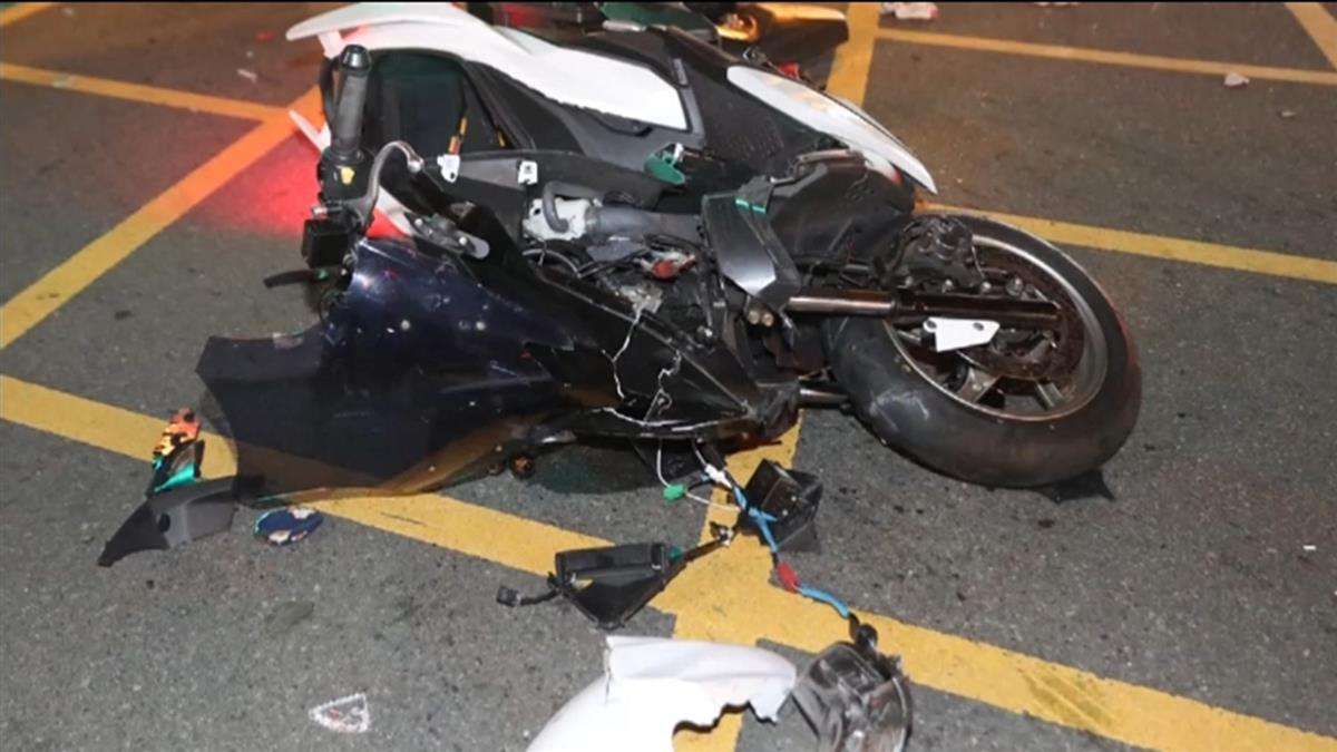 25歲外送員闖燈撞雙B名車!噴飛倒血泊慘死…驚悚畫面曝