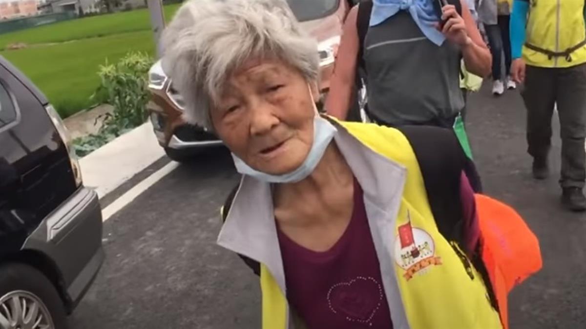 感謝白沙屯媽祖救病兒 88歲嬤守承諾「徒步進香9年」