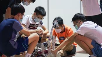 推動台灣機器人教育  鴻海教育基金會與國立科工館聯合舉辦機器人大賽