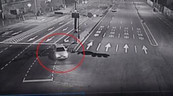 雙B車高速撞迴轉車駕駛昏迷 酒駕騎車撞飛遛狗路人