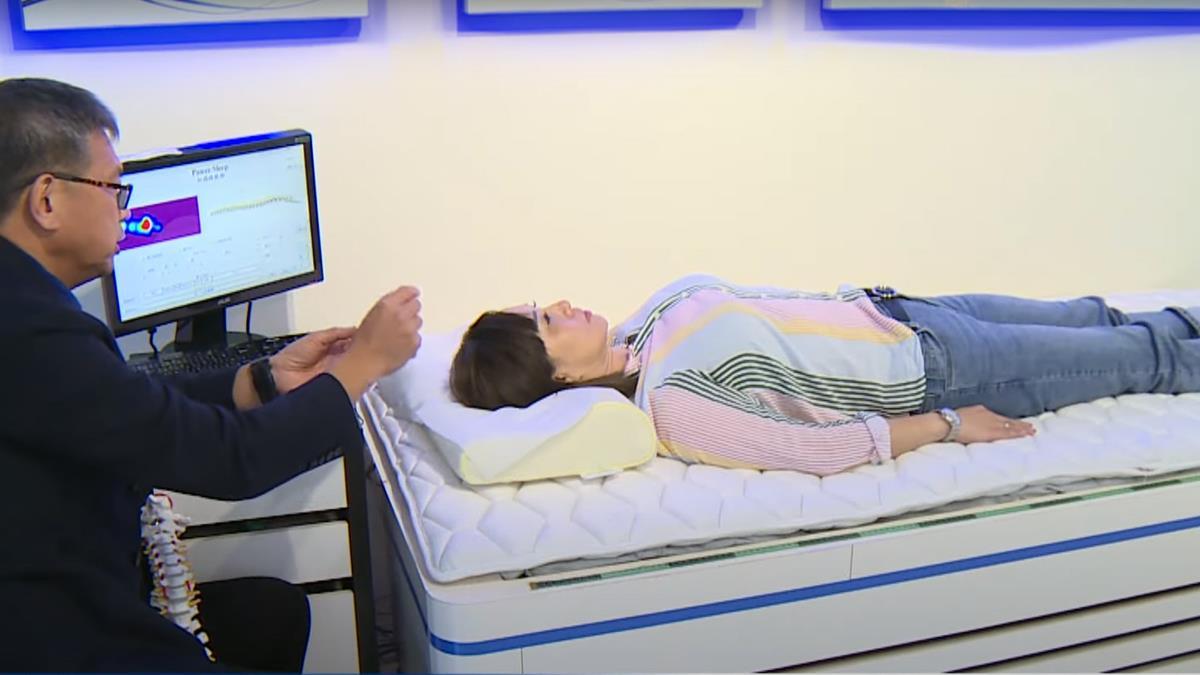 知識睡眠館AI塑型床墊 助媽媽健康好眠