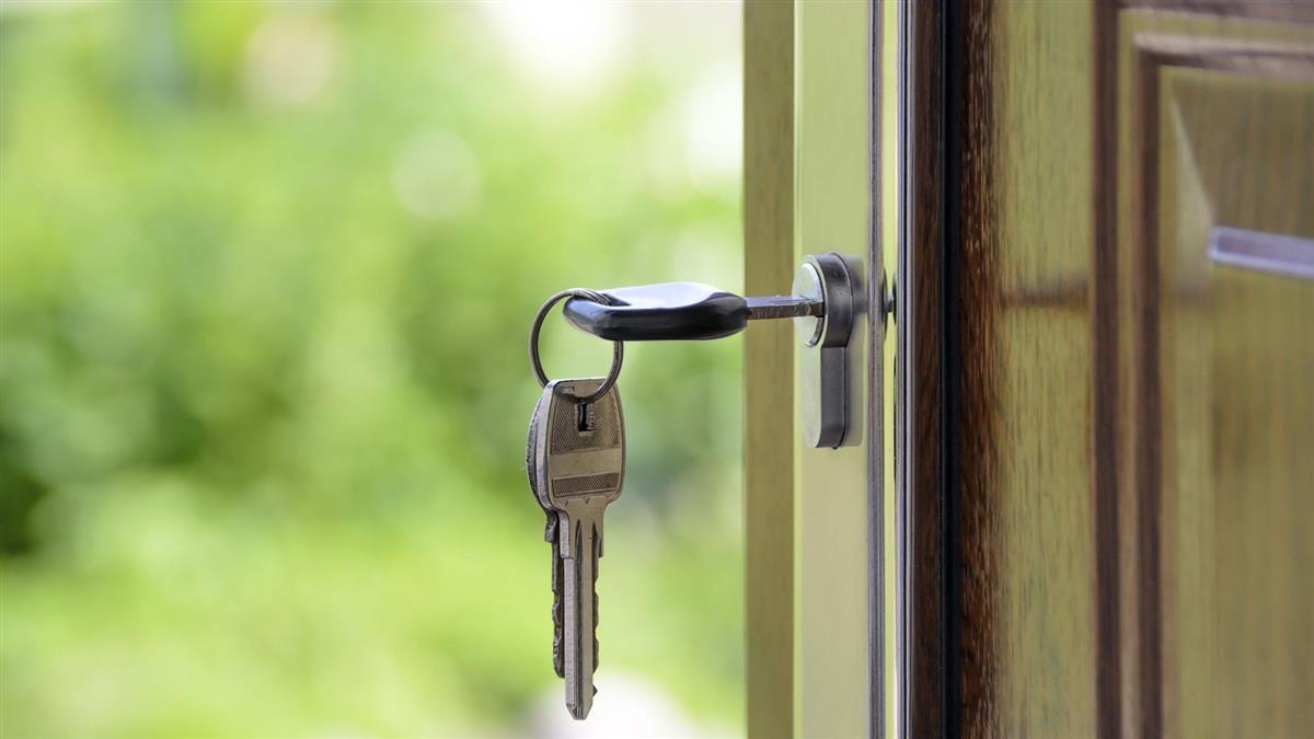 她「買房遺忘5年」上門驚見隔間 慘遭前屋主出租